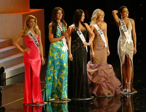 Five_finalists_at_Miss_Universe'06