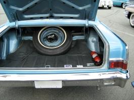 1965_Rambler_Classic_660_4-d_blue-white_VA-t